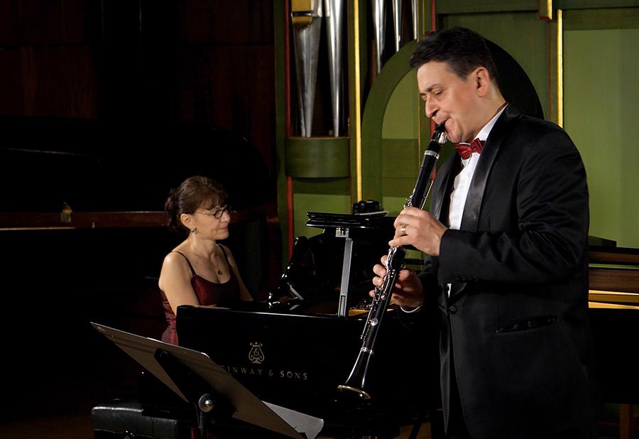 Emil Vișenescu – clarinet, acompaniat de Clementina Ciucu-Ristea – pian