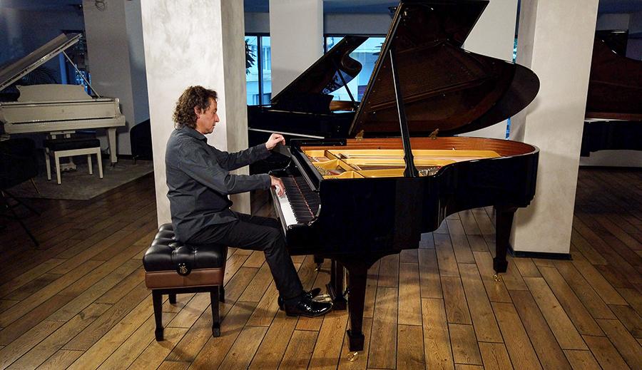 Horia Mihail – pian