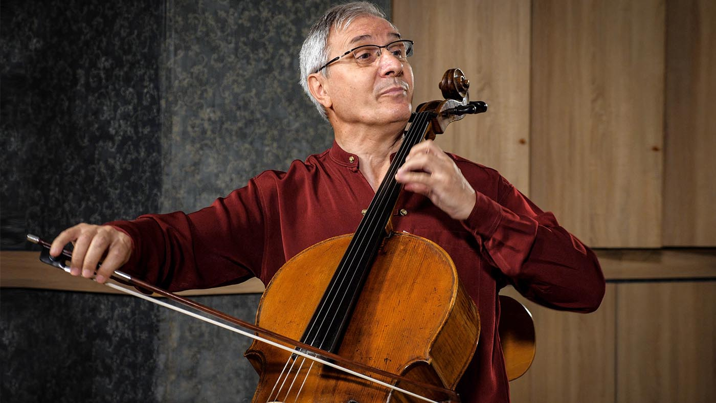 Marin Cazacu – violoncel