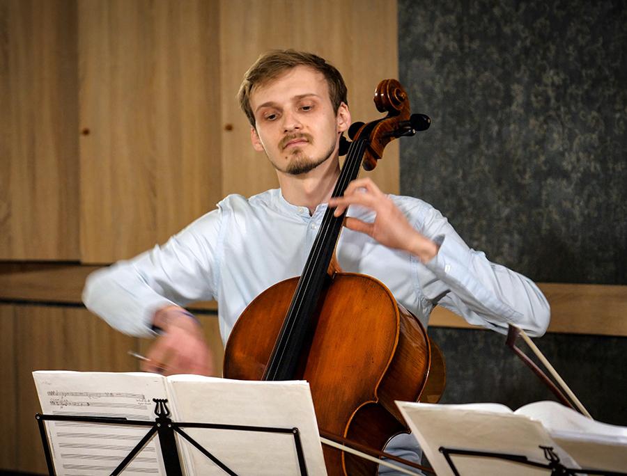 Violoncellissimo • Constantin Borodin