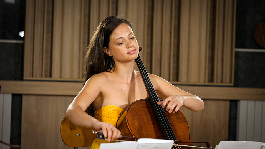 Violoncellissimo • Ella Bokor